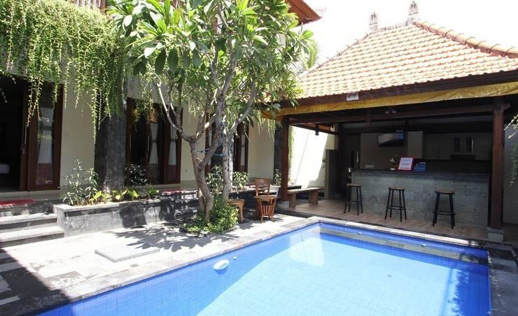 RedDoorz near Sindhu Beach Sanur Bali - Kolam Renang