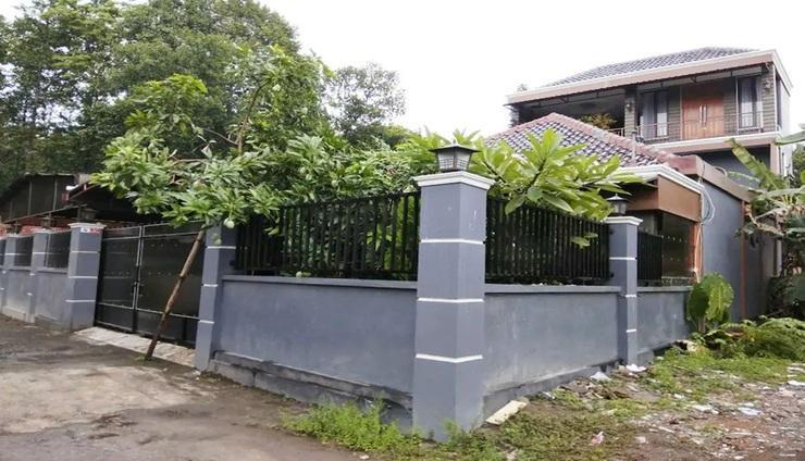 De Erniy Yogyakarta - Exterior