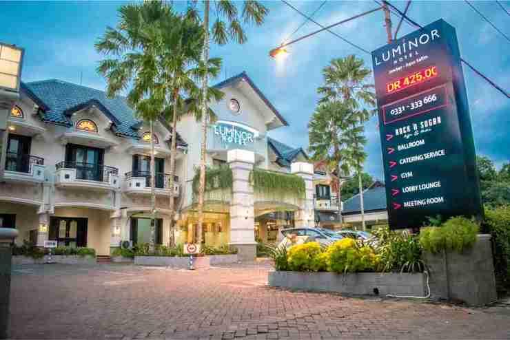 Luminor Hotel & Convention Jember Jember - Facade