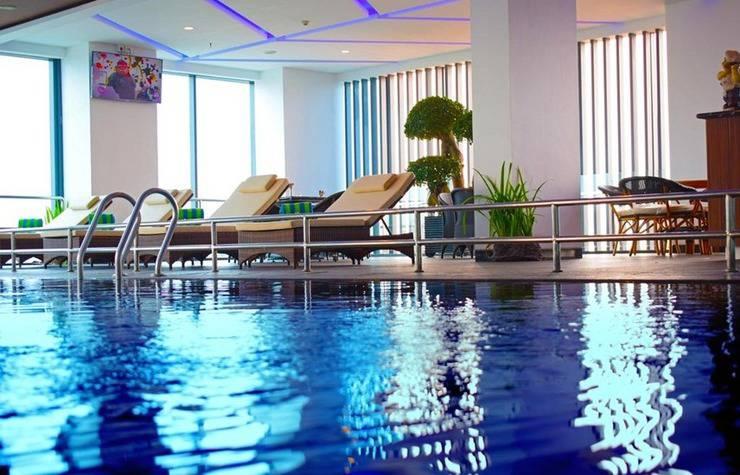 Arthama Hotels Losari Makassar - Pool