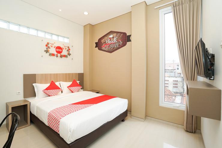 OYO 614 Graha 8 Syariah Surabaya - Bedroom