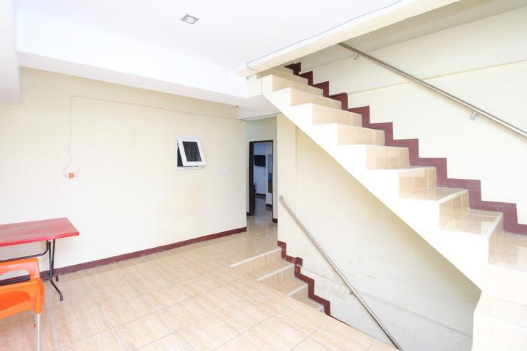 Airy Eco Japaris Medan Area Rahmadsyah 293 - Stairs