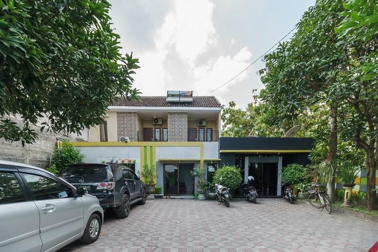 RedDoorz @ Colomadu 2 Solo - Bangunan Property