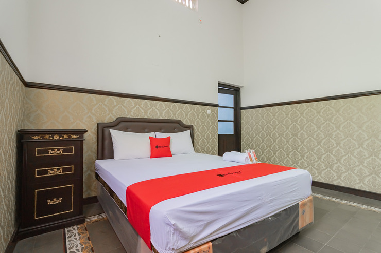 RedDoorz Syariah @ Kolonial Guest House Majalengka - Photo