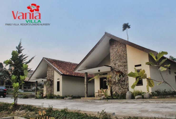 Villa Vania Lembang Bandung - Exterior