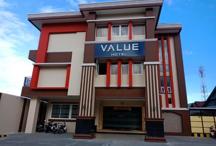 Value Hotel Palopo - Exterior