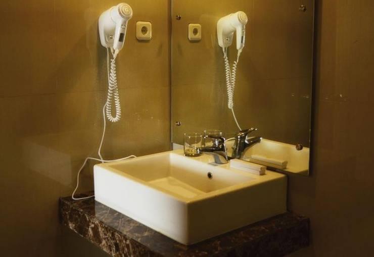 Cempaka Hill Hotel Jember - Toilet