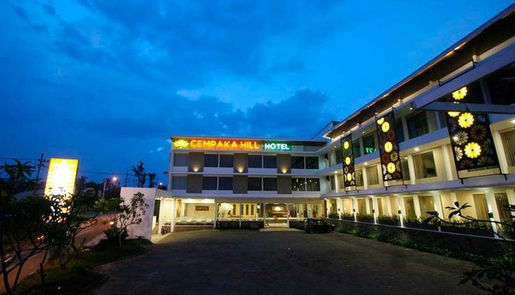 Cempaka Hill Hotel Jember - Tampak Depan