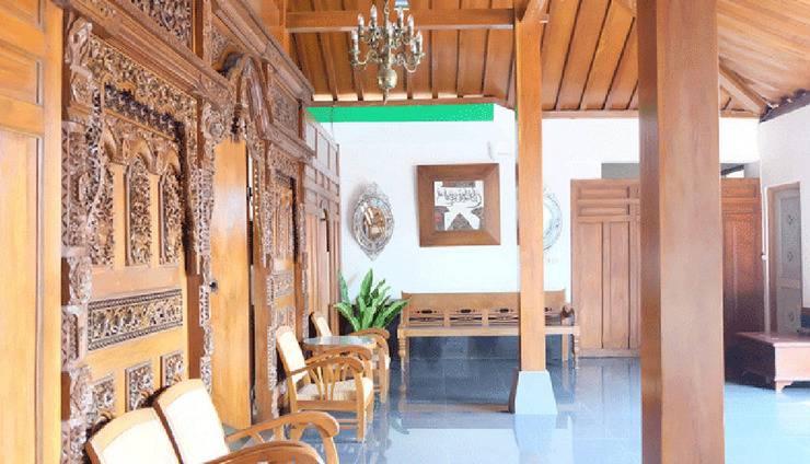 Simply Homy Guest House UII Condong Catur Yogyakarta - Exterior