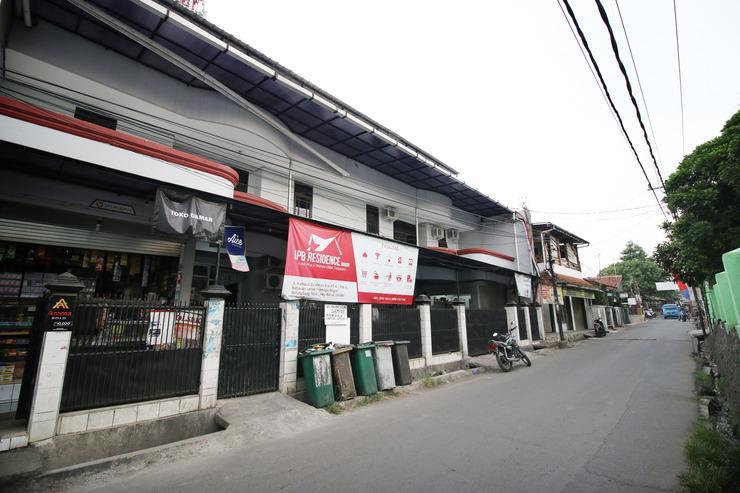 Kamar Keluarga Bogor Bogor - Pintu Gerbang