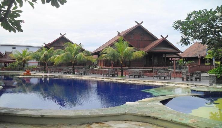 Hotel Pantai Gapura Makassar Makassar - Exterior