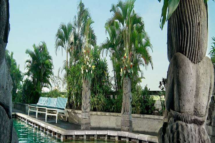 Lumire Hotel Jakarta - Kolam Renang
