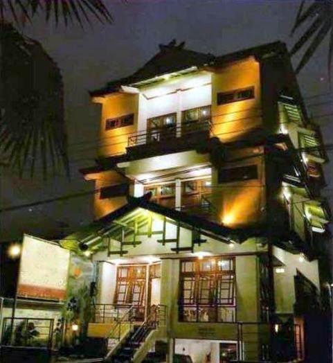 Hotel Yogya Moon Yogyakarta - Facade