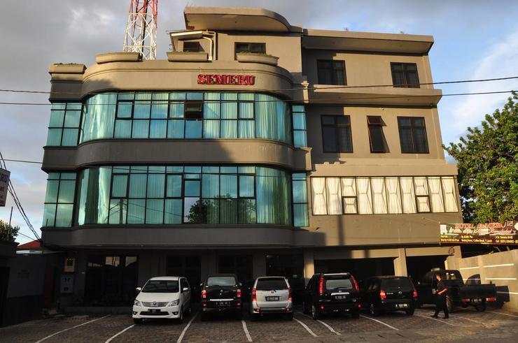 Hotel Semeru Bogor - Exterior