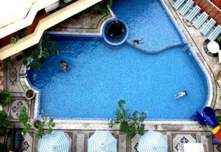 Grand Tiga Mustika Balikpapan - kolam renang