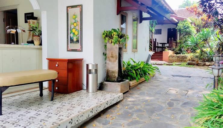 Villa Family Hotel Gradia Malang - Lobby
