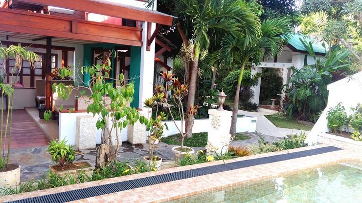 Villa Family Hotel Gradia Malang - Garden