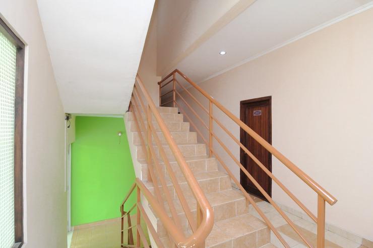 Airy Eco Adi Sucipto Gang Nanas Lima 6 Solo - Stairs