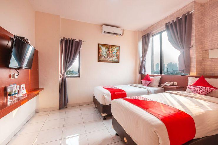 OYO 1737 Hotel Celvasha Jakarta - Bedroom