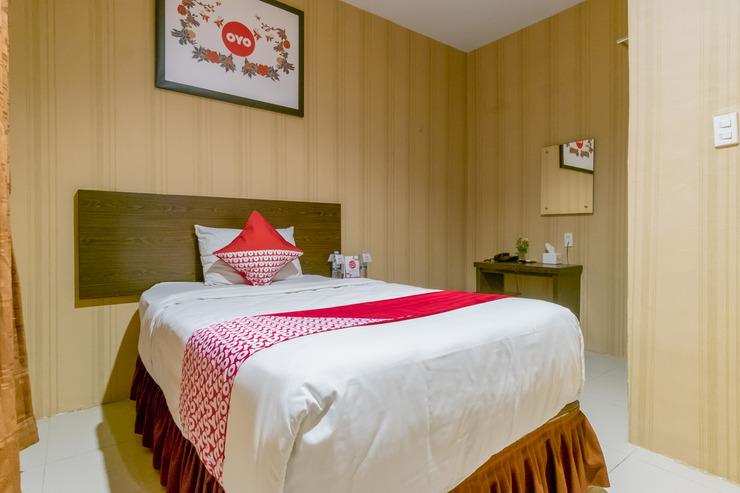 OYO 741 Hotel Labuhan Raya Medan - Bedroom