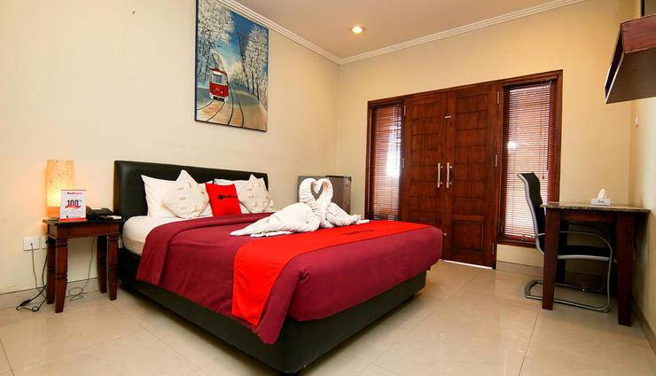 RedDoorz Plus @ Patimura Legian Bali - Kamar Tamu