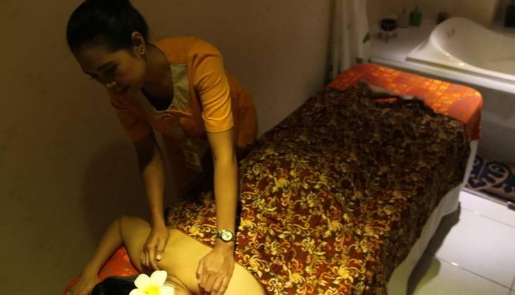 Hotel Gunawangsa MERR Surabaya - Massage