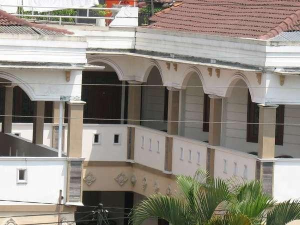 Hotel Mangkuyudan Solo - Tampak Luar