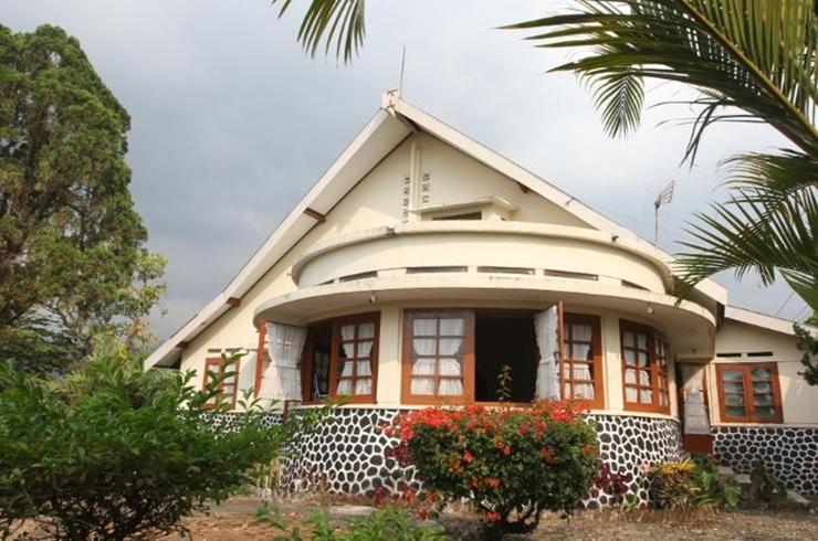 Villa De Nusa Pacet Mojokerto - Exterior