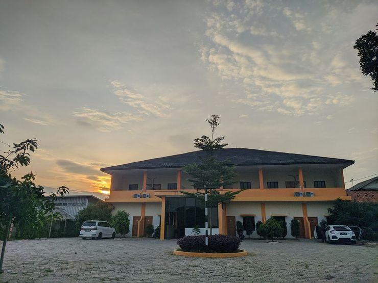 Aruni Hotel Purwakarta Purwakarta - Exterior