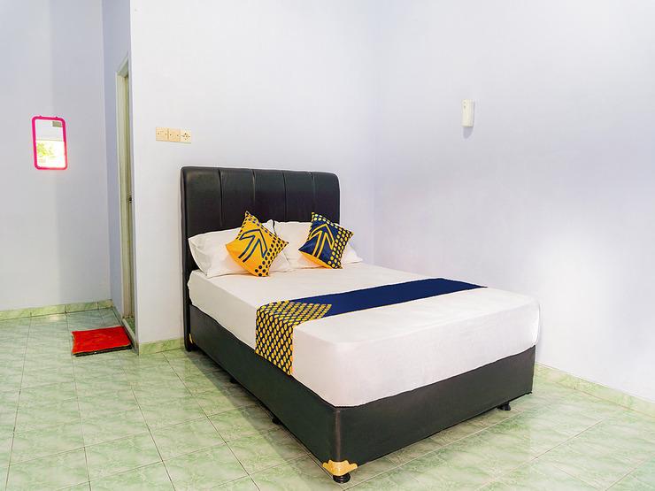 OYO 3281 Griya Ketapang Banyuwangi - Guestroom D