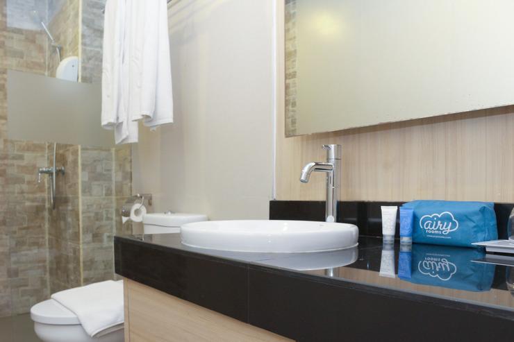 Airy Kuta Karang Tenget 15 Bali - Bathroom