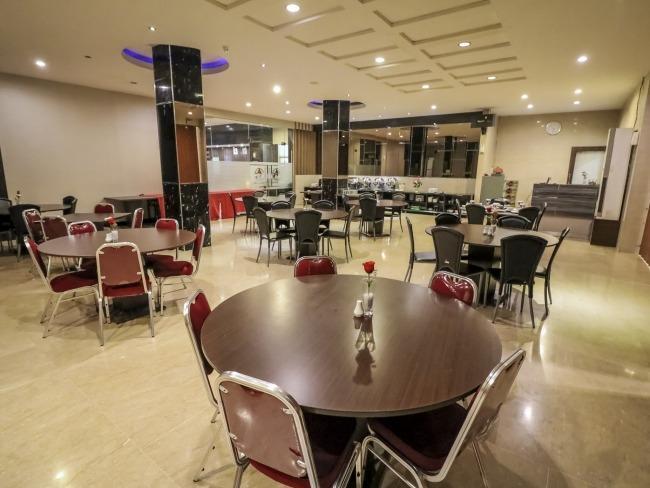 NIDA Rooms Lembeh Place Makassar - Restaurant
