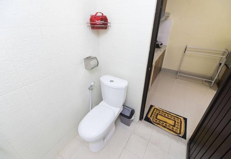 RedDoorz @Pura Demak Marlboro 2 Bali - Kamar mandi