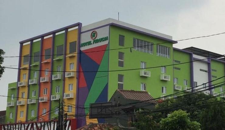 Hotel Fiducia Pondok Gede Jakarta - Facade