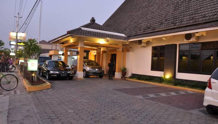 Hotel Wisanti Jogja - HOTEL TAMPAK DEPAN