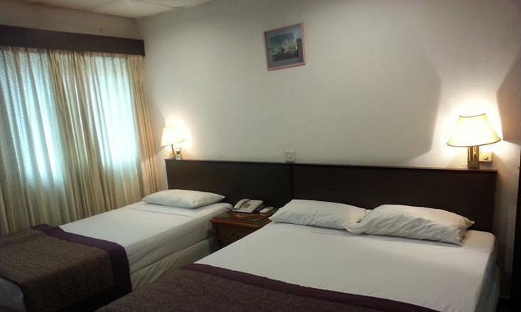 Beach Hotel Singapore - Guestroom