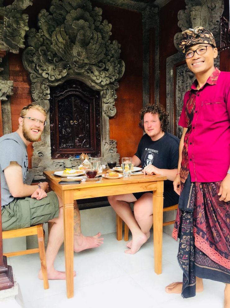 Local Family House Bali - Breakfast Area