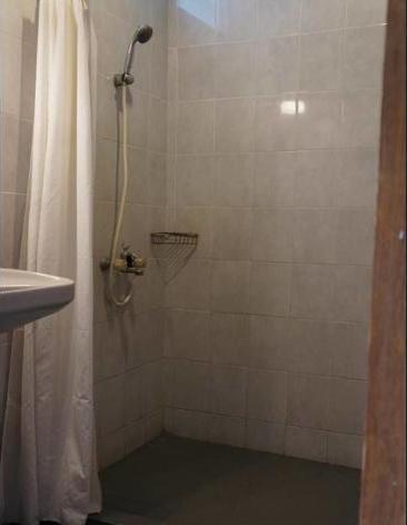 Hotel Kirana Yogyakarta - Bathroom