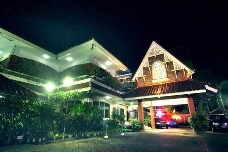 Pondok Serrata Convention, Boutique & Tourist Hotel Semarang - Featured Image