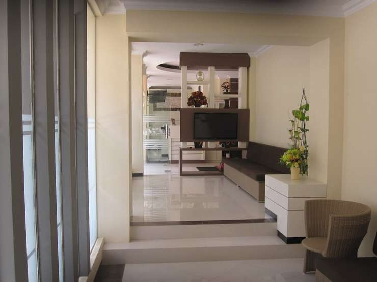 Lily Guest House Malang - Featured Image