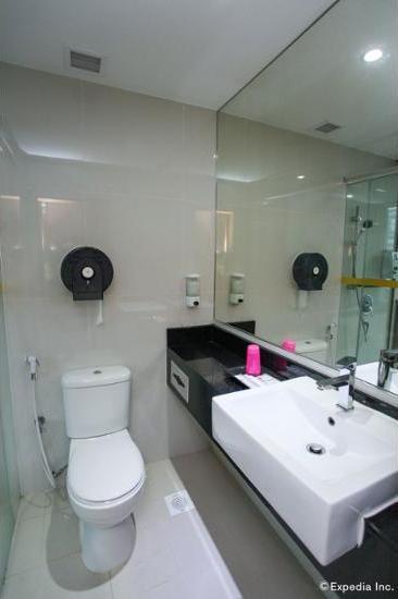 New Cape Inn Singapore - Bathroom Sink