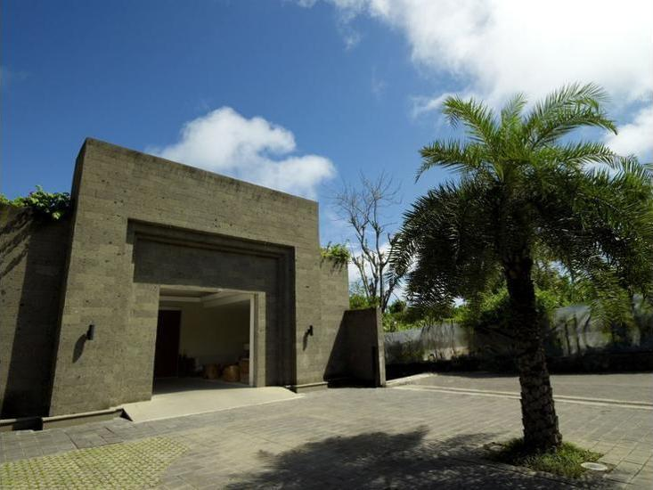 The Edge Bali - Interior Entrance