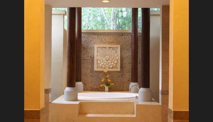 Puri Candikuning Bedugul - Indoor Spa Tub