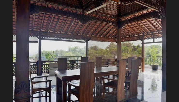 Malang Hill Gallery & Homestay Kedungkandang - Breakfast Area