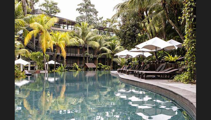 Siloso Beach Resort Sentosa - Featured Image