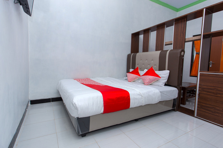 OYO 2873 Griya Annisa Tegal - Bedroom
