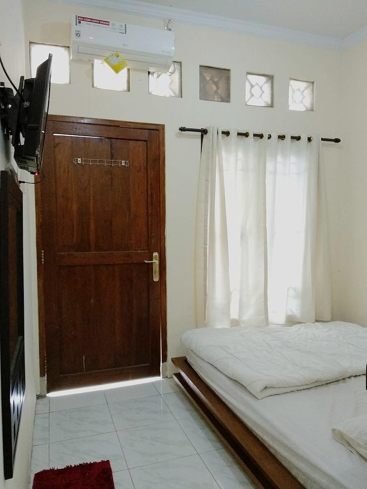 Pakuwon Guest House Yogyakarta - Bedroom