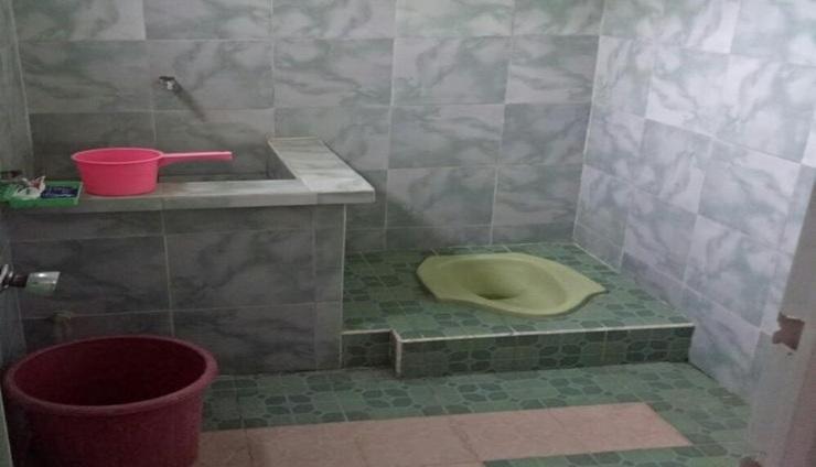 Villa Omahe Toni Malang - Bathroom