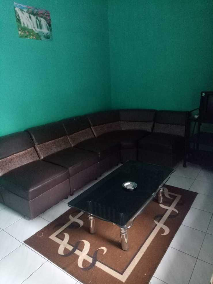 Villa Omahe Toni Malang - Ruang Tamu