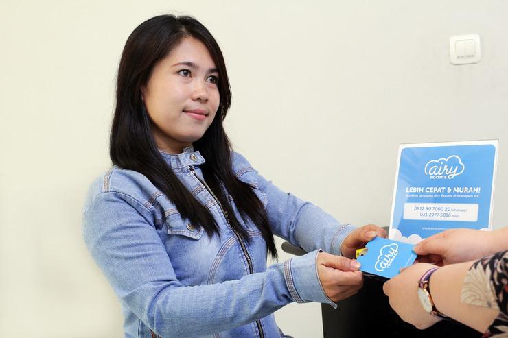 Airy Eco Syariah Senen Kramat Lima 3G Jakarta Jakarta - Receptionist